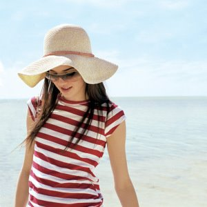 girl-beach-hat-preview1